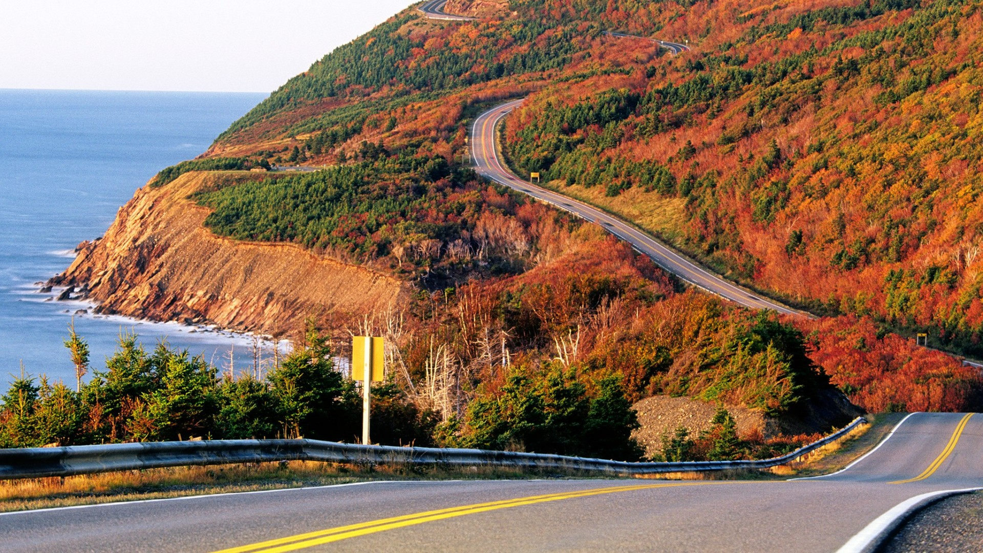 fall-foliage-cabot-GettyImages-125969428
